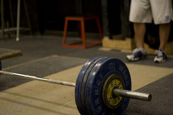 Rutinas de fuerza y ejercicios aeróbicos