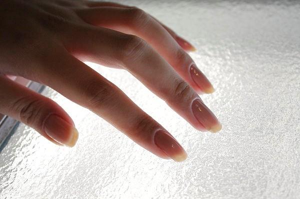 fortalecer uñas cabello vitaminas alimentacion