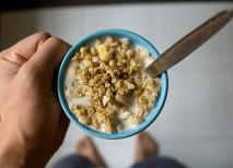 El desayuno ideal para antes de ir al gimnasio es aquel que incluye carbohidratos complejos, proteínas y grasas saturadas | Jornolist