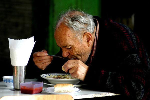 hiporexia disminucion apetito ancianos