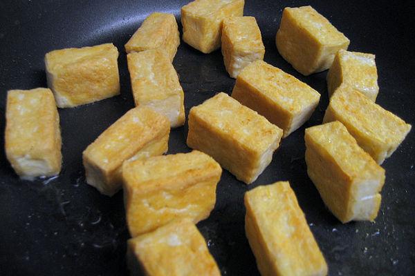 C mo preparar tofu - Como se cocina el tofu ...